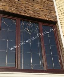 трехстворчатые окна с фацетами
